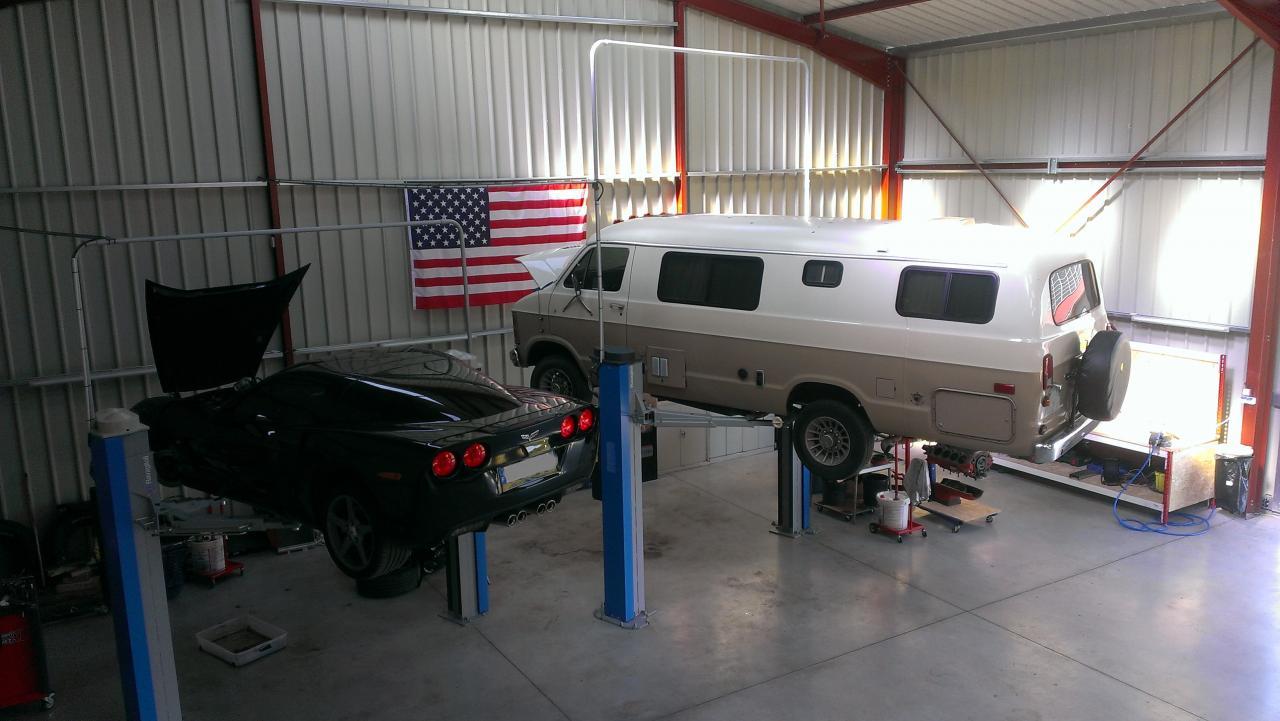Corvette C6 / Dodge Ram Van B350