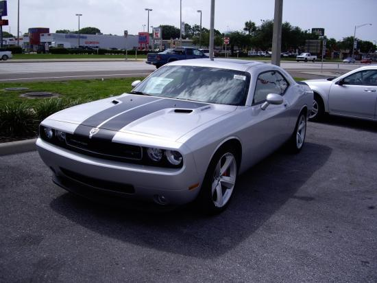 2008 Nouvelle Dodge Challenger.