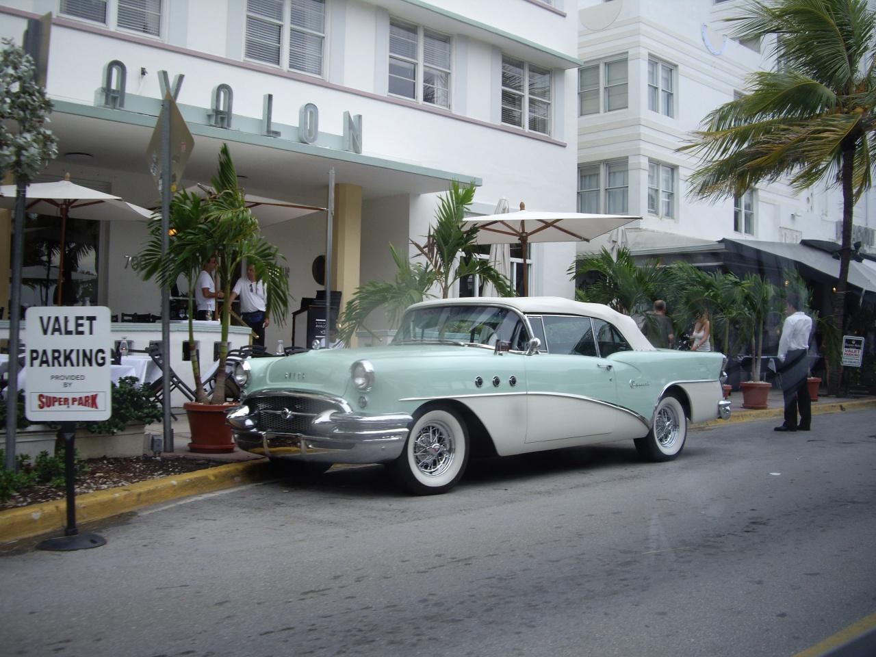 Le célèbre hotel Avalon sur Ocean Drive / Miami FL
