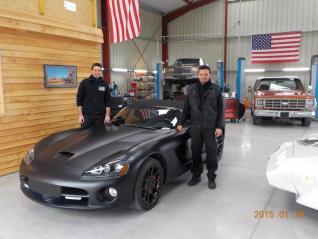 Vincent et Bruno, spécialistes voitures américaines